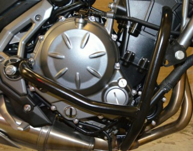 KAWASAKI Z650(17-) エンジンガード